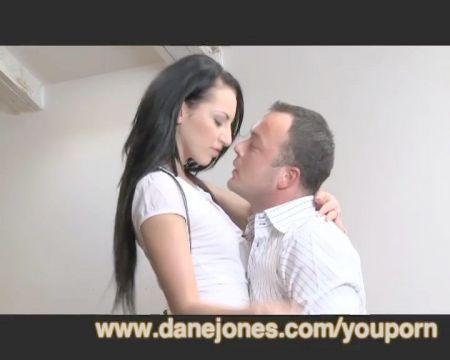 Videos De Sumisos Castigados Por Sus Amas