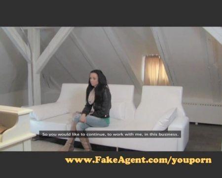 Video De Mujer Dominante Metiendo Consolador En El Culo Del Marido