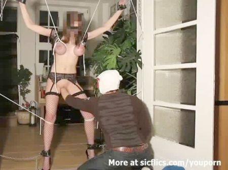 Se Masturba En El Hotel
