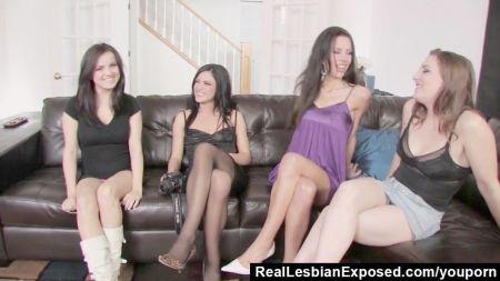 Videos De Chicas Tetonas Tomandose Selfis