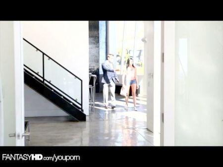 Gianna Michaels En Las Escaleras