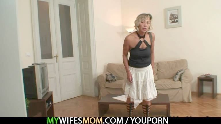 Peliculas completas porno abuelas folladas por el sobrino gratis Sobrino Mecoje Enmi Fiesta Video Porno