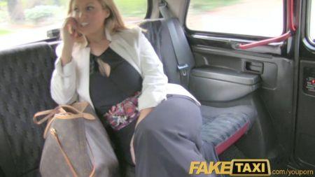 Se Masturba Delante De Mujer Desconocida Playa