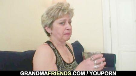 Lesbianas Jovenes Besandose Muy Caliente