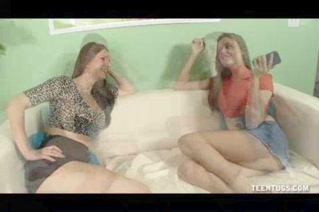 Chicas De Carnaval Completamente Desnudas