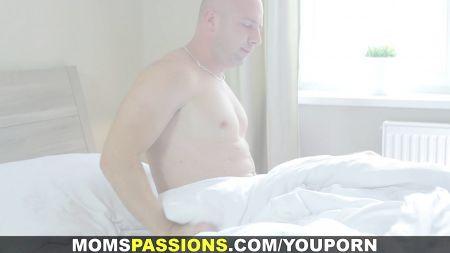 Mujeres Maduras Sexo Hombres Jovenes