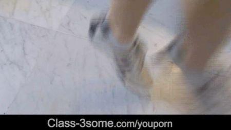 Kelsi Monroe Su Primera Escena Anal