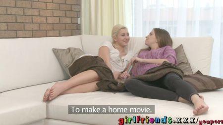 Video Xxx De Alumna Amarrada Desnuda Por Lesbianas