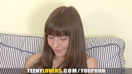 Mujeres Japonesas Desnudas Atadas Y Azotadas Por Su Padre O Madre Xxx