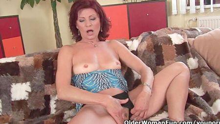 Vigiando A Mi Madre Desnuda Real En Casa Xxx