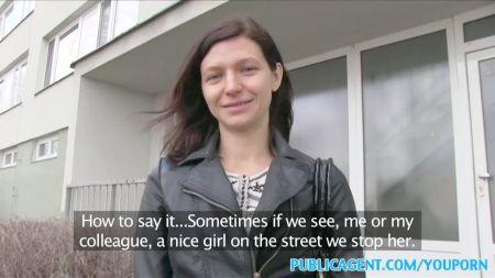 Videos De Jovenes Lesbianas En El Acensor
