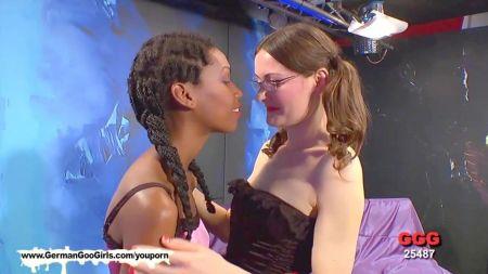 Videos Xxx Mujeres Sentadas En La Cara Dw Los Esclavos Com
