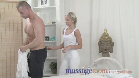 Hot Wife Hace Licuadora A Bbc Delante Marido