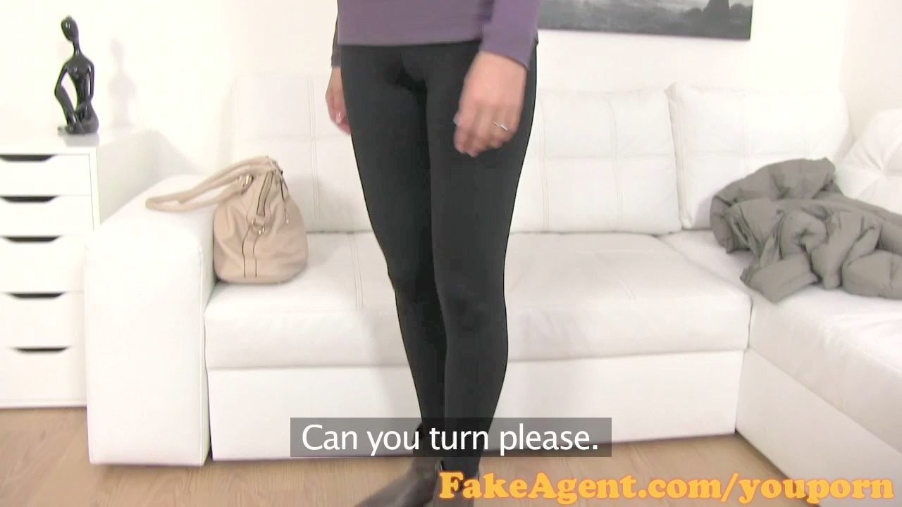 bideos con ropa interior brillante y medias