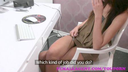 3Gp Xvideos De Secretarias Hermosas Lesbianas Sacandose Las Tanguitas Despacito