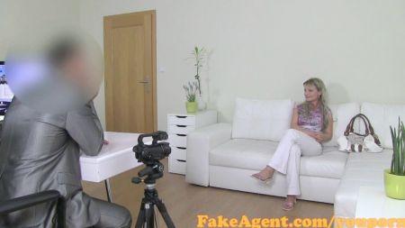 Foto De Video Mi Vieja Con Falda Roja Y Tanga Roja