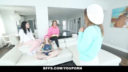 Videos De Mujeres Rubias Con Ropa Interior Blanca