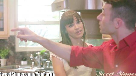Sara Jay Y Angelina Castro Follando Con Tres Pollones Negros