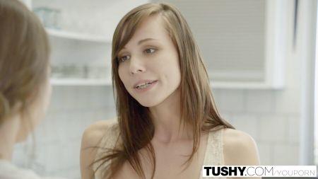 Esposa Masticando Polla De Otro