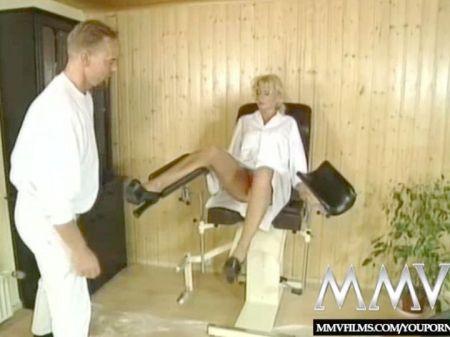 Madre Desnuda Por La Casa Camara Oculta