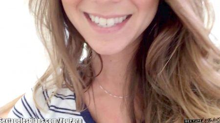 Jovencita Espiando Como Se Masturba Su Madre En El Libin