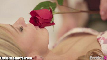 Primer Video De Ava Addams