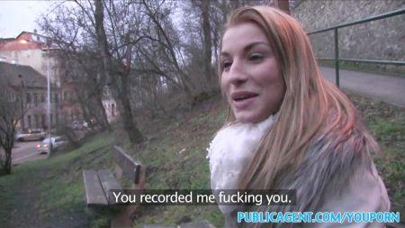 Lesbianas Mamandose Sus Tetas Llenas De Leche