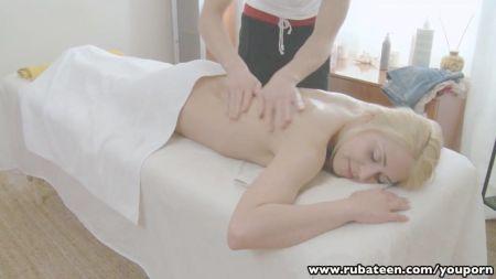 Ve A Su Mujer Teniendo Sexo