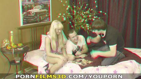 Yume Con Un Vibrador En La Webcam