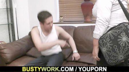 Casting A Adolecentes Timidas En Pantalones Apretados
