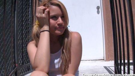 Video Transexual Folla A Un Chico Y Ella Misma, Al Mismo Tiempo