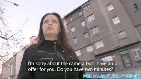 Travesti Negra Se Corre En La Boca De Mi Marido