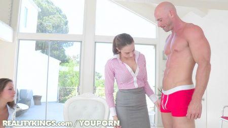 Sexo Oral De Mi Madrastra