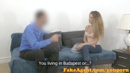 Sexo Desvía Con Un Pene Falso