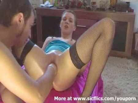 Patrona Desnuda Adelante De Los Sirvientes Y Se Los Folla Videos