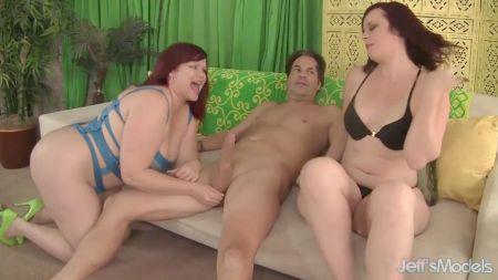 Lesbianas Lindas Seducen A Chicas Tímidas