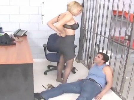 Enfermera Japonesa Seduce A Su Paciente