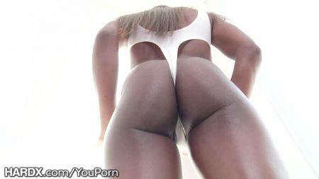 Chicas Desnuda Le Abre La Puerta Al Repartidor De Pizza