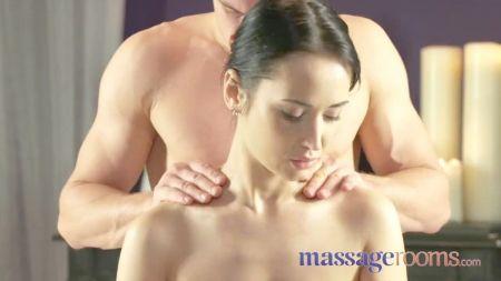 Sex Melayu Main Atas Tu Tebaru