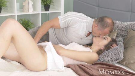 Pelicula De Hijo Forzando A Su Madre A Tener Sexo