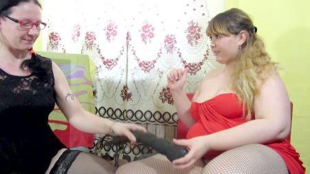 Jovencita De Cabello Verde Masturbándose En La Webcam