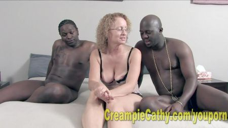 Video Casero De Chicas Bañándose Desnuda Y Peluda