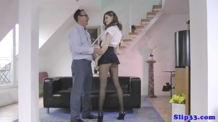 Video De Esposas Atadas Y Amordazadas En Traje Latex Negro Chicas