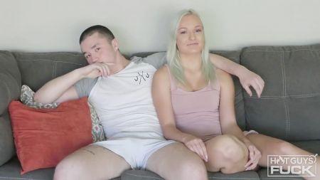 Madre Chupando El Pene De Su Hijo