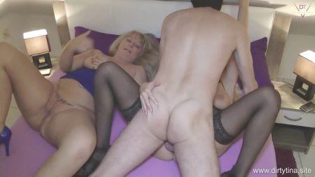 Chicas Masturbandose En La Oficina