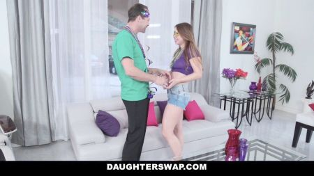 Stella Cox Y Su Vestido Floreado Xvideos