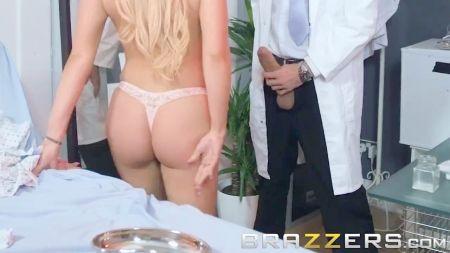 Sexy En Minifalda Blanca Xxx