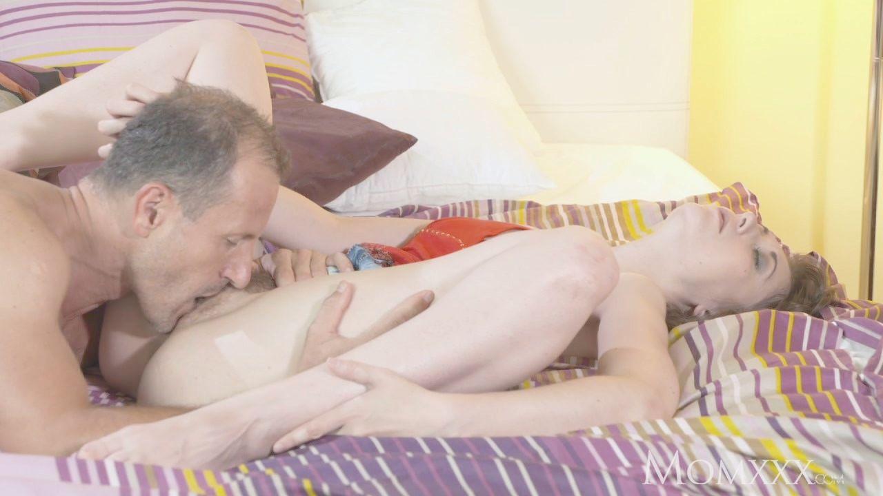 Pelicula porno de mujeres mayores solas italiana Anal Esposa Italiana Se Va De Vacaciones Sola Video Porno