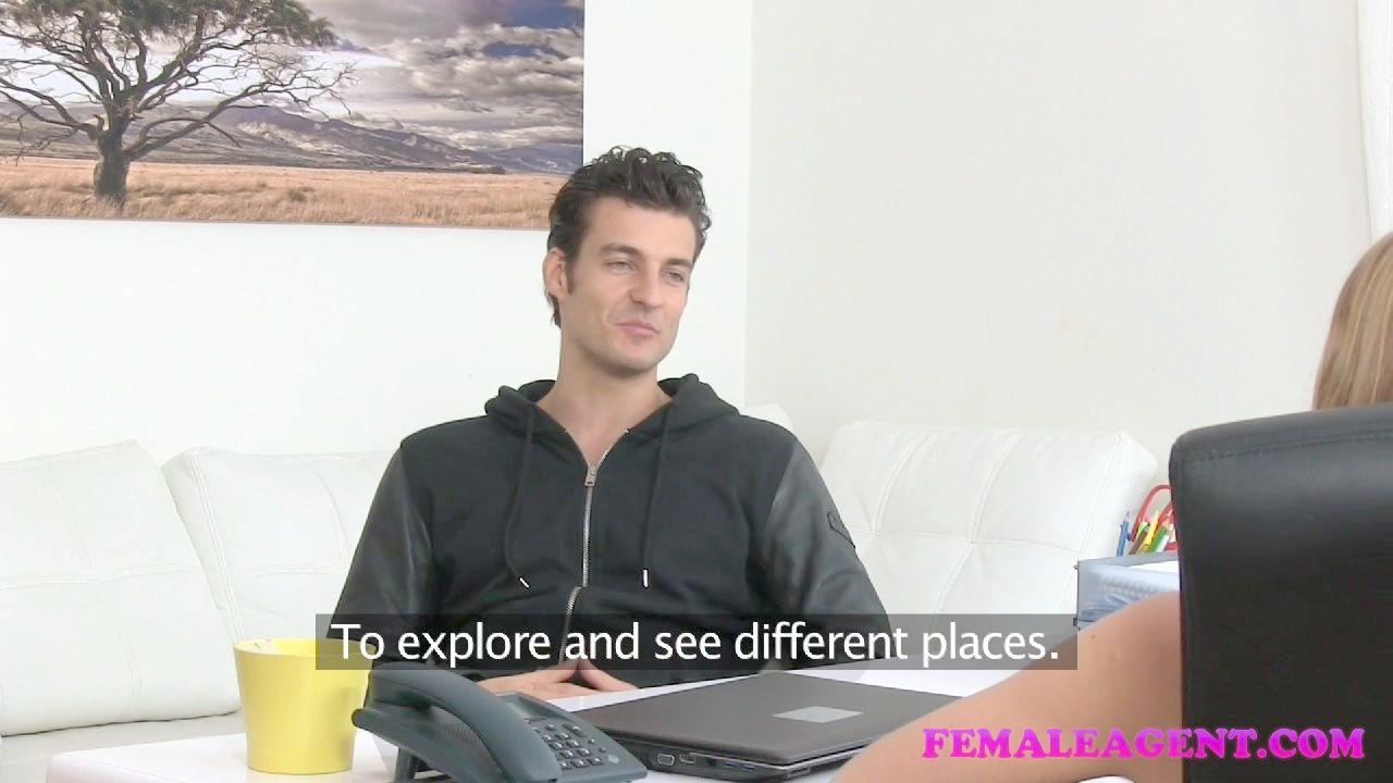 Agujeros En El Baño Y En El Cuarto Video Porno