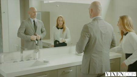 Tortura Post Orgasmo Por Debajo De La Mesa